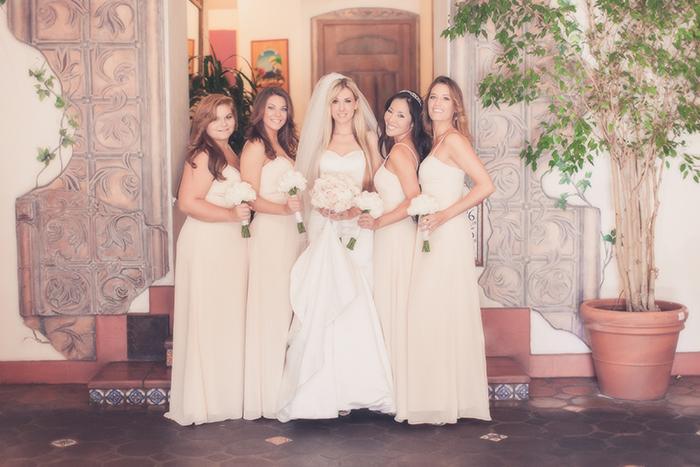 getting-ready-bride-married-Coronado-El-Cordova-hotel-bridesmaids-getting-married-El-Cordova-Hotel-Coronado