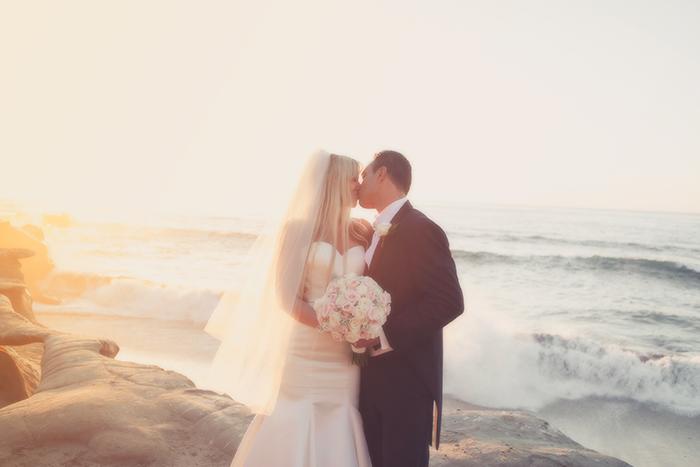 married-bride-grrom-wedding-bowl-la-jolla-san-diego-wedding-photographer-beach ceremony