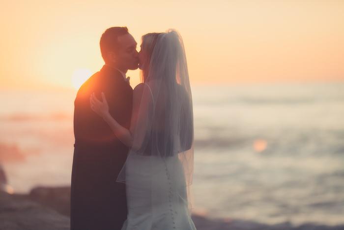 sunset-la-jolla-san-diego-married-bride-grrom-wedding-bowl-la-jolla-san-diego-wedding-photographer
